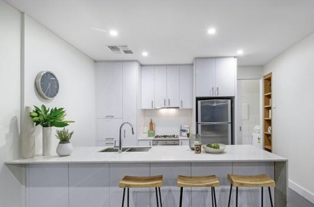 After: Hurtle Square - mini kitchen make over for sale